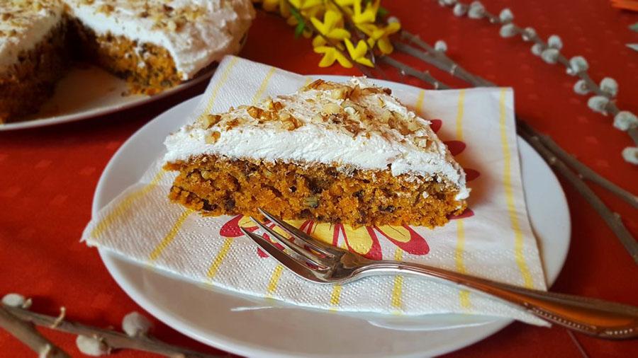 Mrkvový koláč s citrónovým krémom