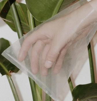 Plastovú ekologickú katastrofu vieš odvrátiť aj ty. 5 tipov na nižšiu spotrebu plastov v každodennom živote